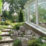 la veranda per la colazione e il giardino