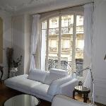 Photo de Bed and Breakfast VIP Champs Elysees