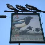 Three Magpies Foto