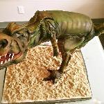 dinousour cake