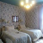 Standard Twin Room 302