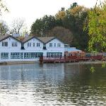 Bostwick Lake Inn