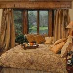 Bob Timberlake Inn Guest Room