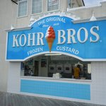look, no line at Kohr Bros.!