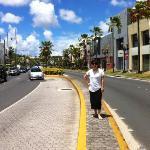 괌 하얏트 바로앞 쇼핑몰 거리