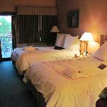 Southwest Inn 2 super comfy queen beds on 2nd floor.