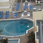 piscine extérieure vue du 13 ème étage