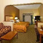 2-Queen Bed Suites @ Comfort Suites Tallahassee