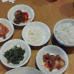 Side dishes brought with Bulgogi entree