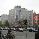Hotel ..