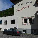 Sport Garni - entrance and parking-area