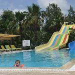 Kinderpool mit Wasserrutschen
