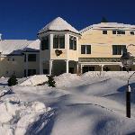 Snowy Winter at the Snowflake Inn