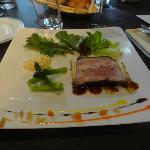 Ballottine de pintade fermière au foie gras et ris de veau