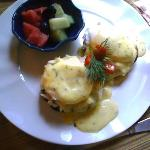 Eggs Benedict (choice was with crabmeat/salmon/canadian bacon)