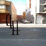 Parking delante del hotel (el descubierto gratuito)