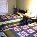 Stoneware Room - Two Twin Beds or 1 King Bed
