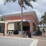 Bagel Cafe & Deli, overlooking the beach.