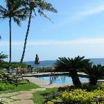 5 steps from the lanai to the pool...awesome!