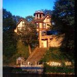 Spicer Castle Inn & Restaurant