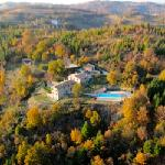 Seen from the air, Bellaugello Gay Guest House nestling in the unspoilt Umbrian countryside