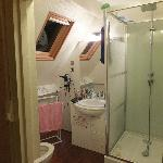 Bathroom of Judaine Room