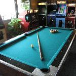 Retro Arcade w/ Billiards, Donkey Kong, Ms. Pac Man & more