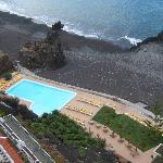 Piscine et plage de l'hôtel