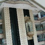 hotel capsul elevators