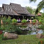 Restaurante en el lago del jardín