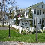 Cedar Cort Inn