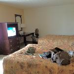 2 double beds facing the parking lot, room 307