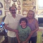Mi hijo en buena compañia con Antonella y Giovanni