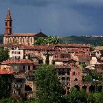 Albi, the lovely pink city built by red bricks and tiles.