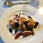 Scallops, Pea Puree, Black Pudding and Bacon Wafer Starter - mmmmmm