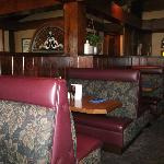 Warm interior, Comfortable booths
