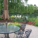 Outdoor Dining at Red Lion River Inn