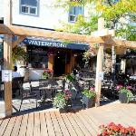 Waterfront grill & pizzeria