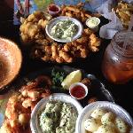 Combination platter (fish, scallops, oysters, clam strips, shrimp. Peel-n-eat shrimp in garlic s