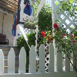 Trellis entry with roses