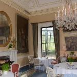 Pretty Breakfast Room