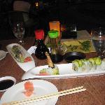 lekker sushi op een gezellig terras