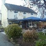 The Jinnie Inn, Front Garden