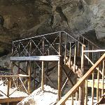 uKhahlamba-Drakensberg Park - Estrutura montada para possibilitar o acesso a pinturas rupestres.