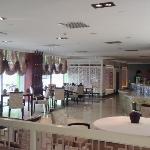 Restaurant and Breakfast area