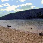 Lac de Guerladan for aquatic sports, beaches and cafes