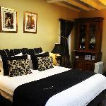 Comfortable Bed King Arthur Suite