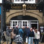 Golden Fleece pub