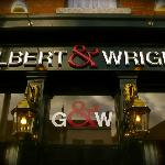 Foto de Gilbert and Wright