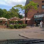 Le Subtil, terrasse en été